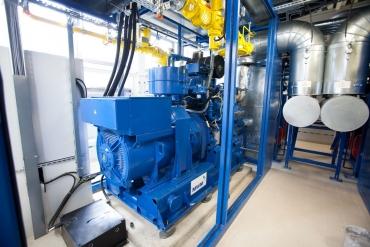 Kogeneratoriai. Deginant biodujas, gaminama elektros ir šilumos energija.
